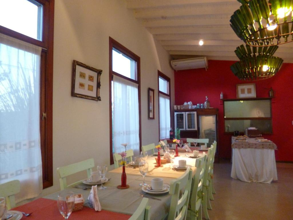 A restaurant or other place to eat at Solar del Pago