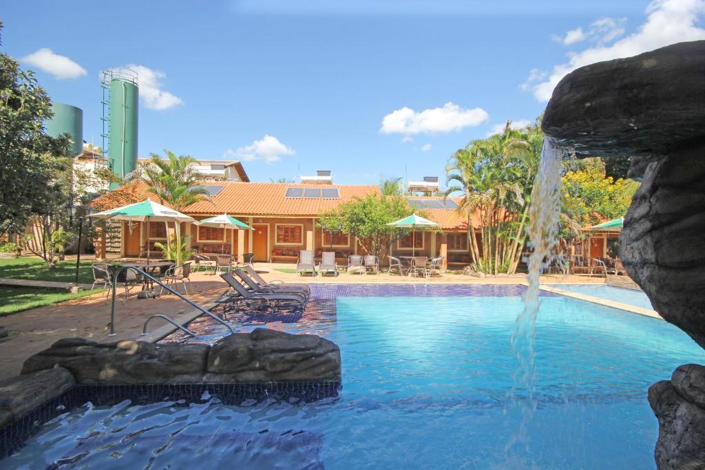 A piscina localizada em Pousada Faruk ou nos arredores