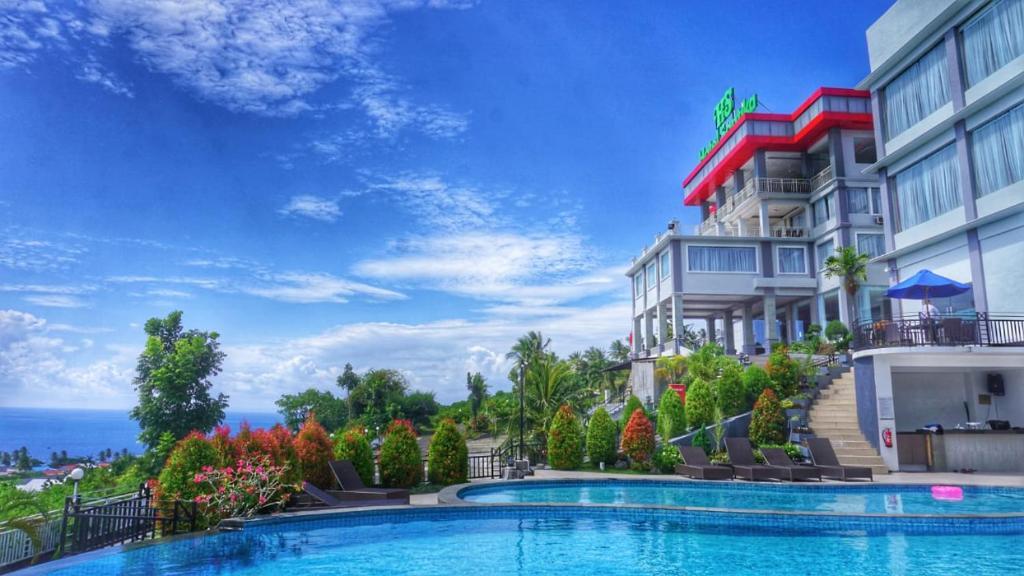Kolam renang di atau di dekat Hotel Santika Luwuk - Sulawesi Tengah
