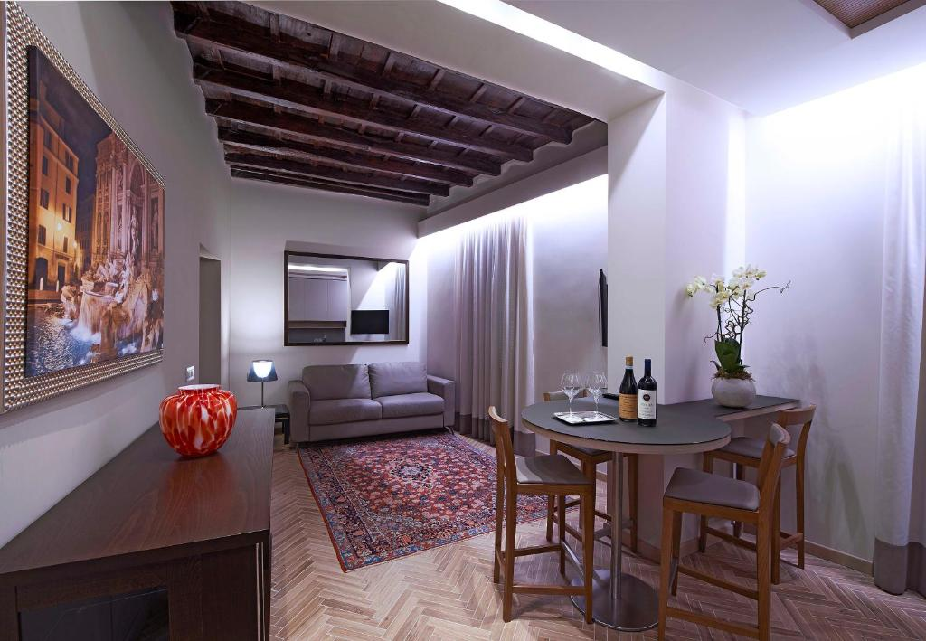 Trevi Palace Luxury Apartments - Laterooms