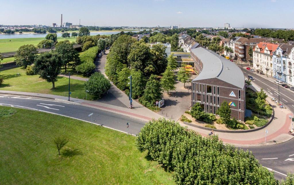A bird's-eye view of Jugendherberge Düsseldorf