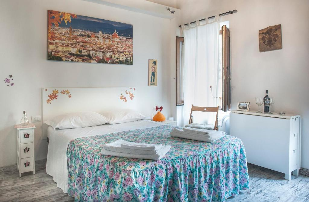 A bed or beds in a room at Monolocale Gallo