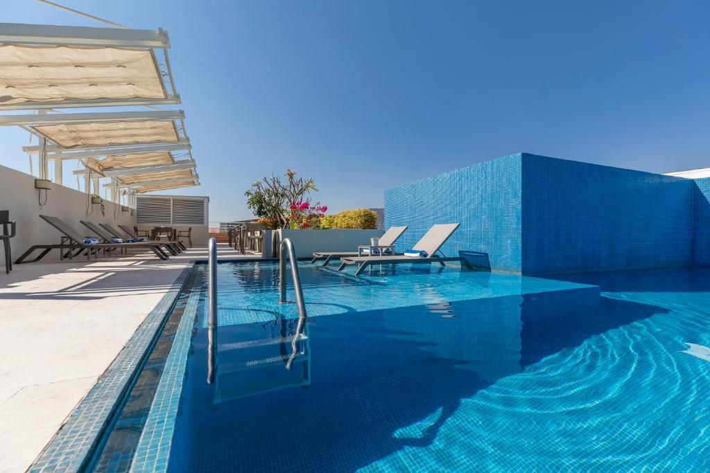 The swimming pool at or near Hotel Parador de Alcalá