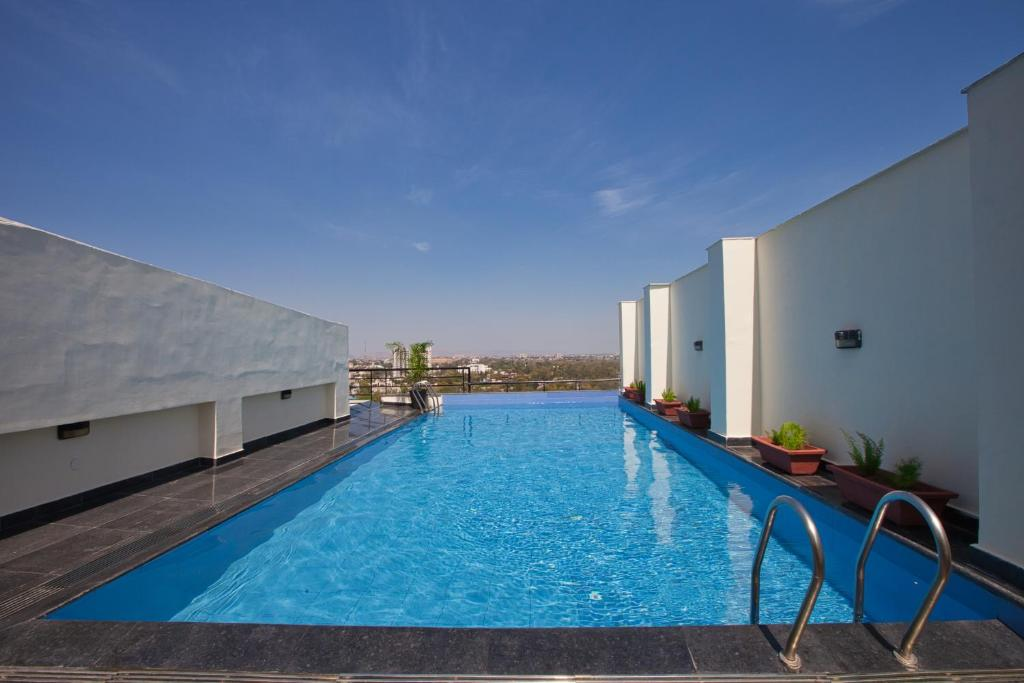 The swimming pool at or close to Red Fox Hotel, Alwar
