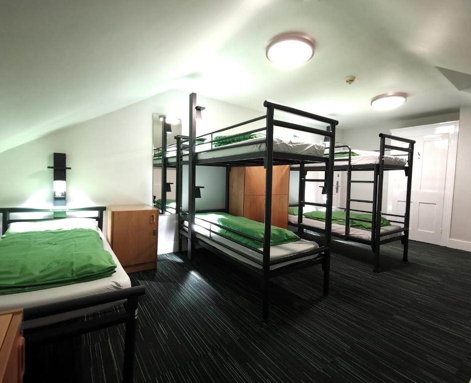 Un ou plusieurs lits superposés dans un hébergement de l'établissement YHA London Earl's Court