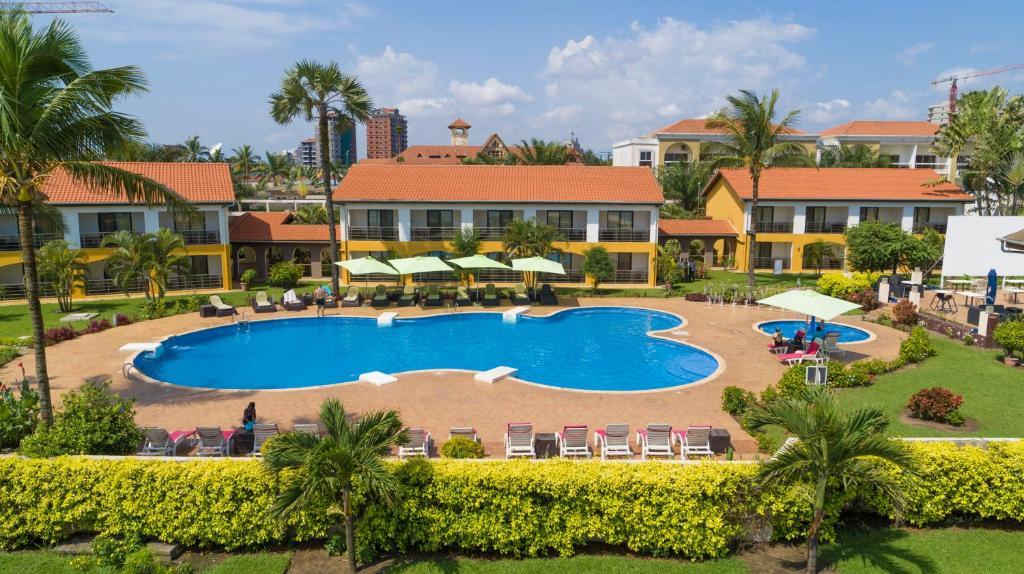 Вид на бассейн в Hotel Palm Beach или окрестностях