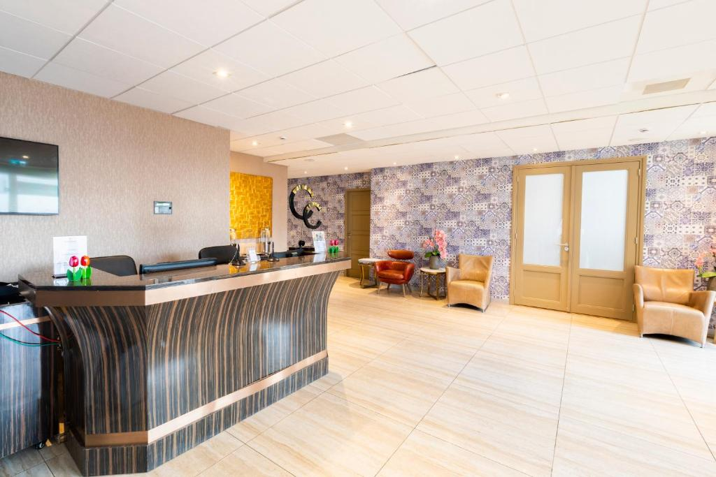 The lobby or reception area at New Century Hotel Amsterdam
