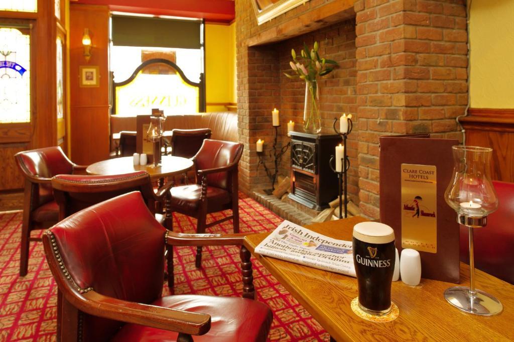 Shamrock Inn Hotel - Laterooms