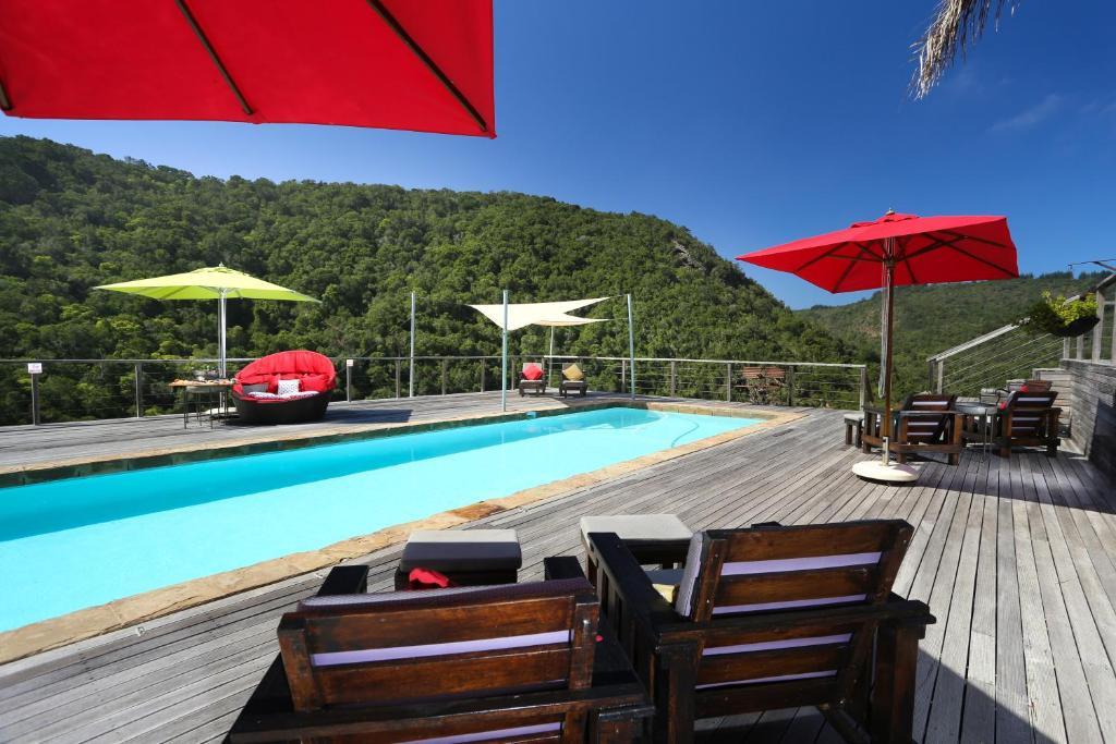 The swimming pool at or close to Shangri-La Manor