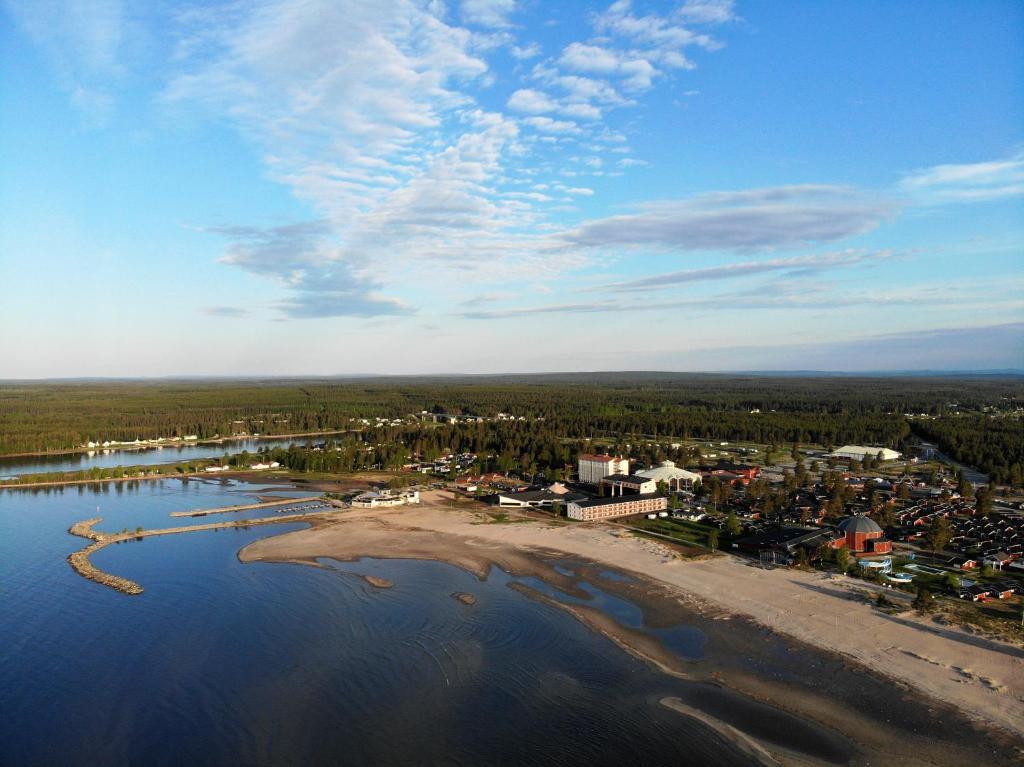 Ett flygfoto av Pite Havsbad Piteå
