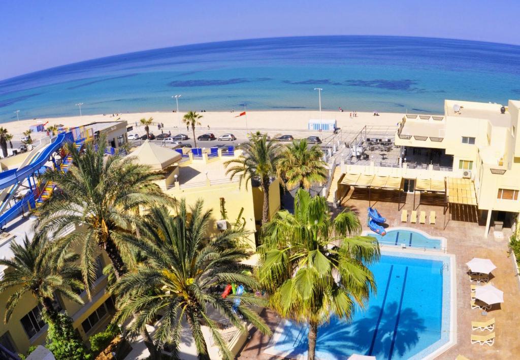 Een luchtfoto van Sousse City & Beach Hotel