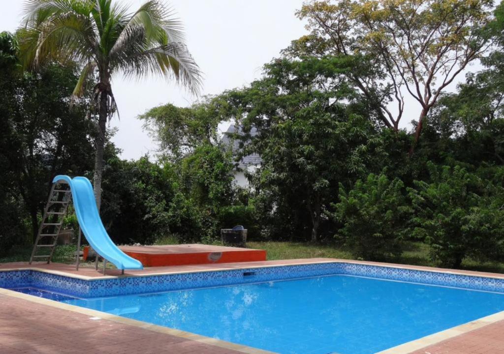 Finca Vacacional con Piscina Privada para Grupos en Anapoima