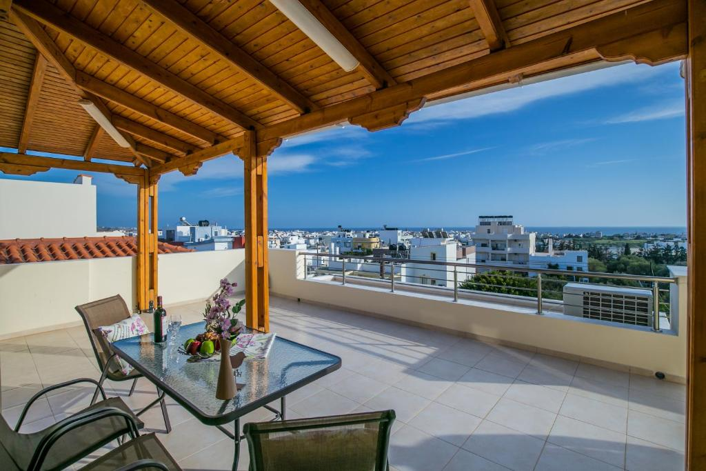 A balcony or terrace at Perfect View Luxury Apartment