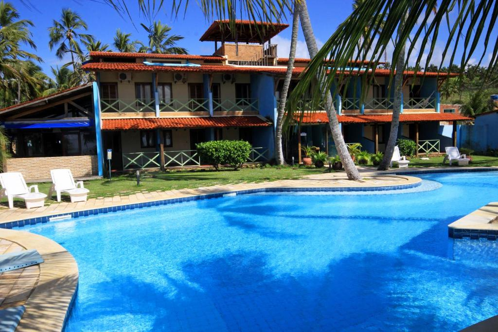 The swimming pool at or close to Albacora Praia Hotel