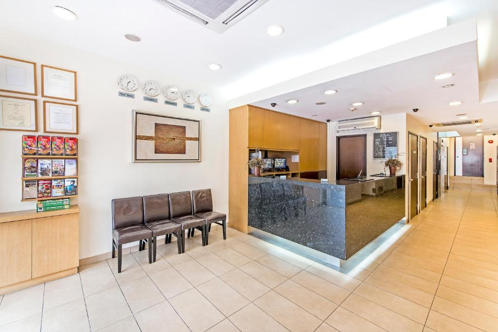 The lobby or reception area at Hotel 81 Balestier (SG Clean)