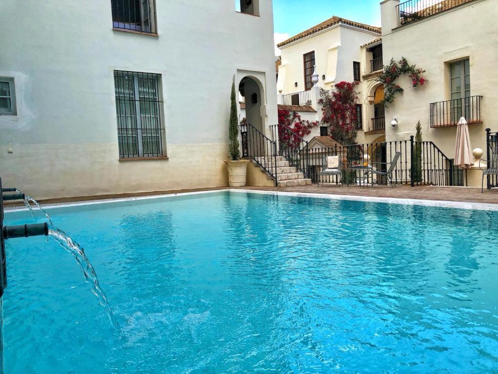 The swimming pool at or near Las Casas de la Judería de Córdoba