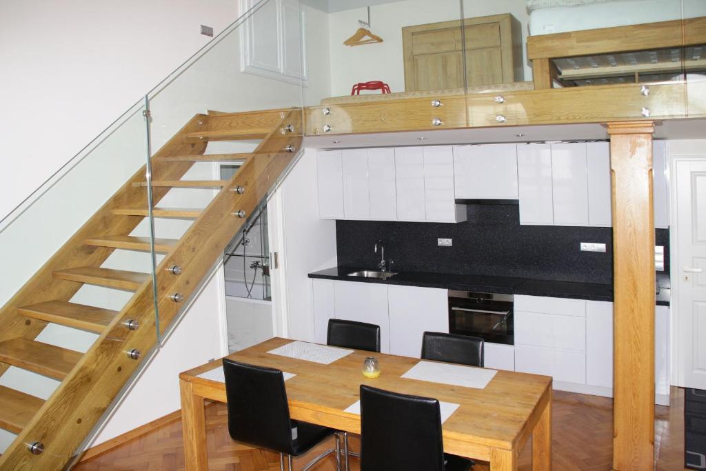 Een keuken of kitchenette bij Apartment Gallery