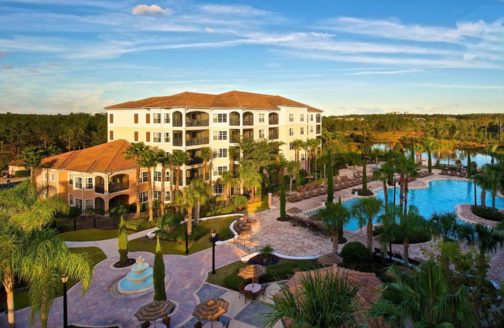 Uitzicht op het zwembad bij WorldQuest Orlando Resort of in de buurt