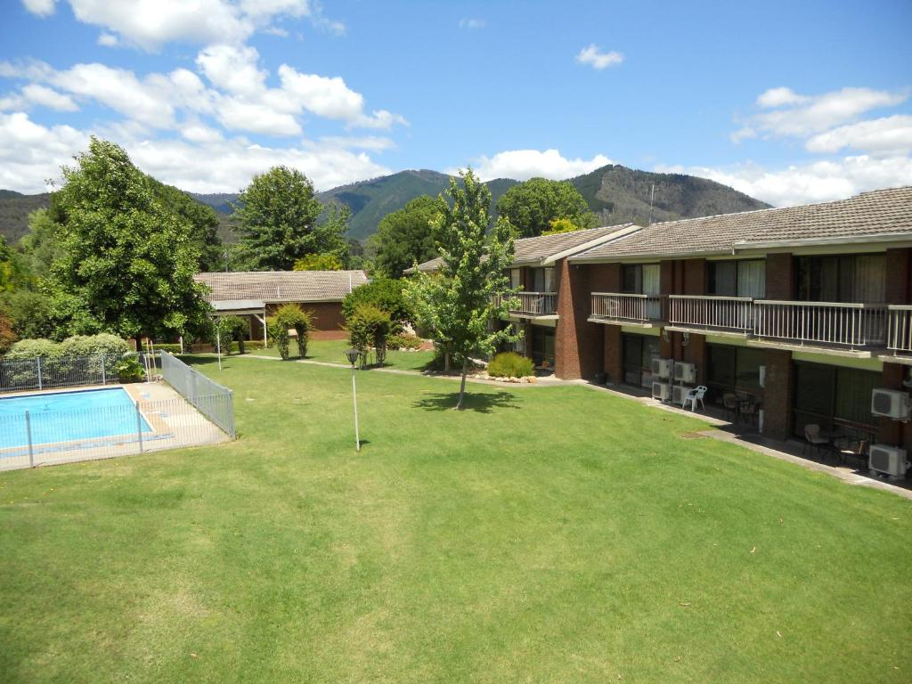 A view of the pool at Bogong View Motor Inn or nearby
