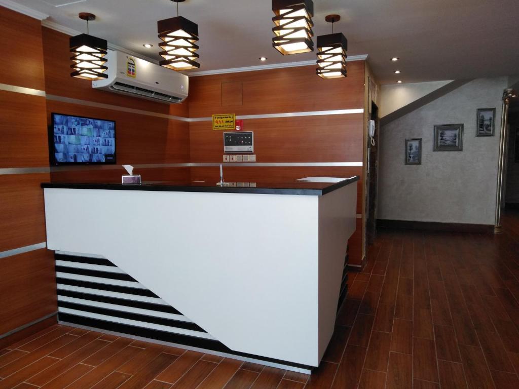 O saguão ou recepção de Al Rawda Jewel Apartment Hotel