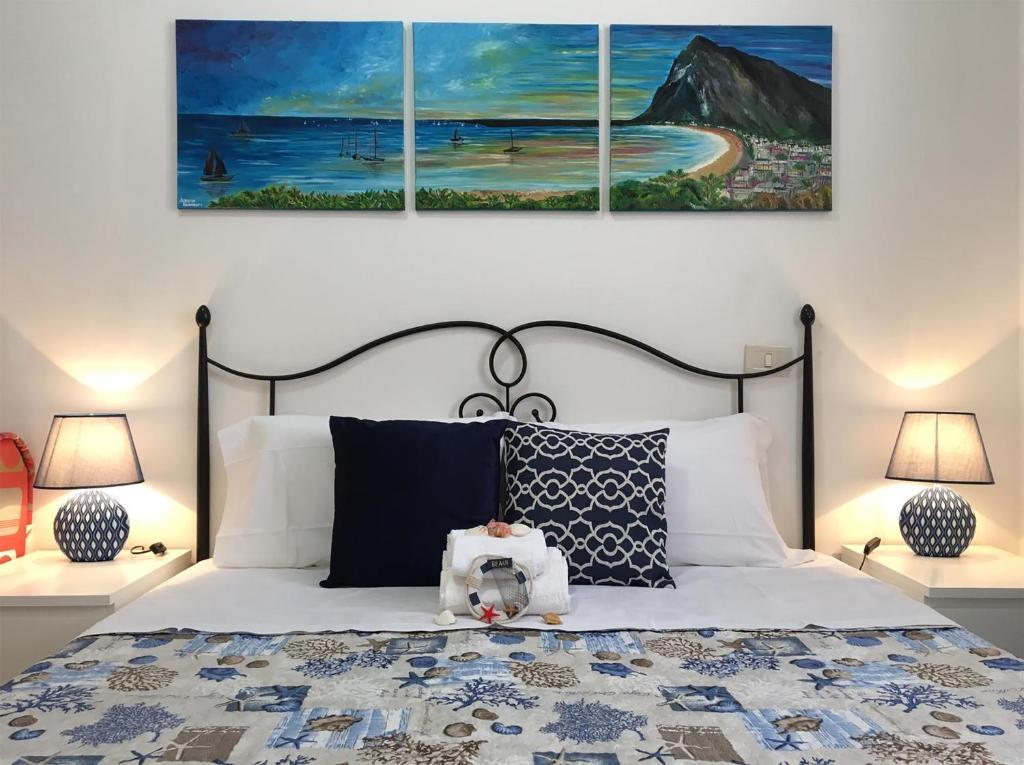 Letto o letti in una camera di Appartamenti Monacò