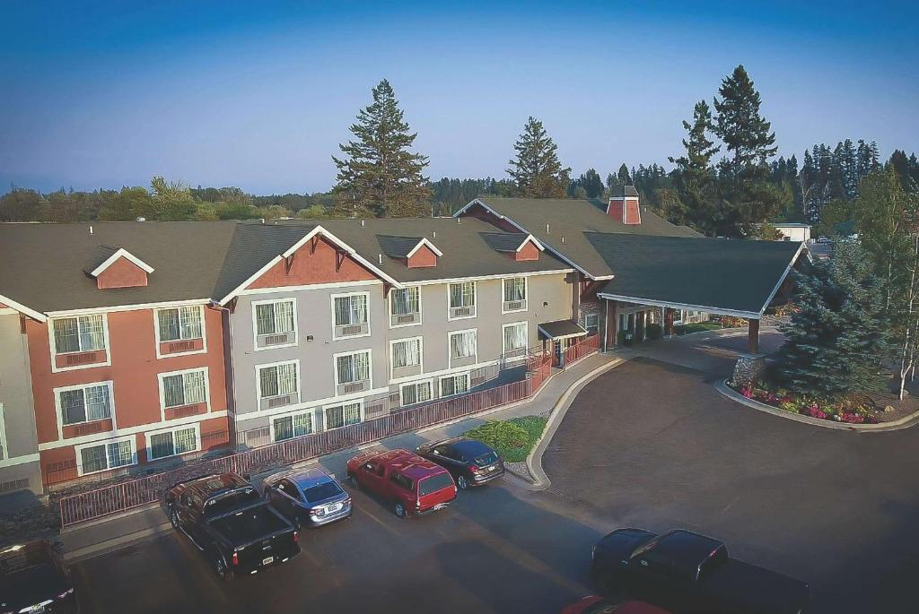 A bird's-eye view of Best Western Plus Kalispell/Glacier Park West Hotel & Suites