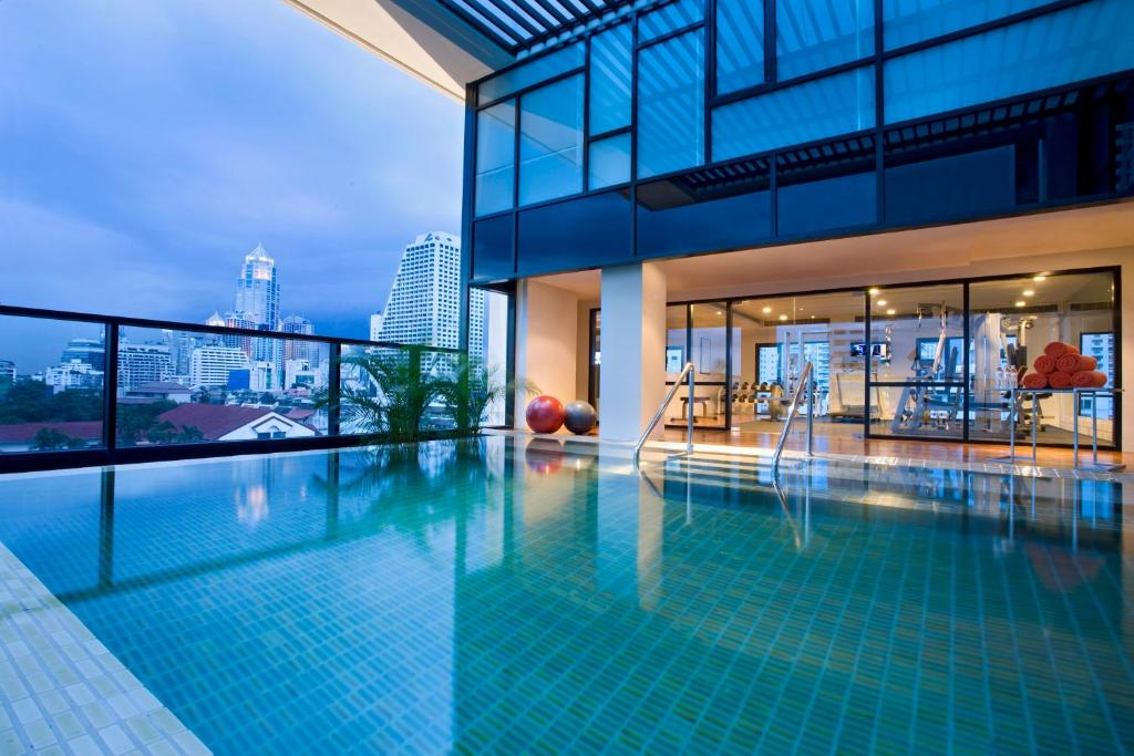 The swimming pool at or close to Citadines Sukhumvit 8 Bangkok