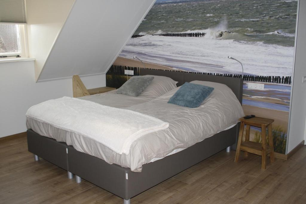 A bed or beds in a room at Hiltop