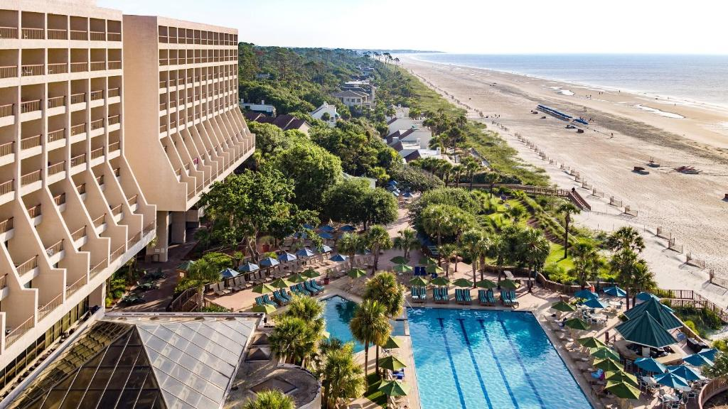 A view of the pool at Marriott Hilton Head Resort & Spa or nearby
