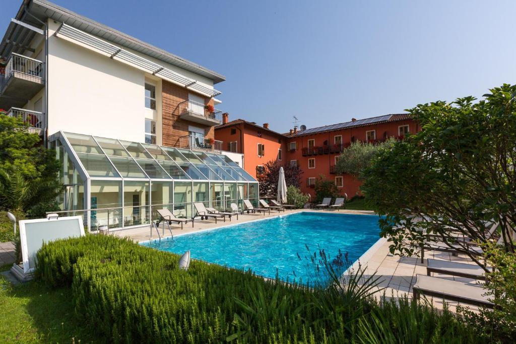 Der Swimmingpool an oder in der Nähe von Hotel Al Maso