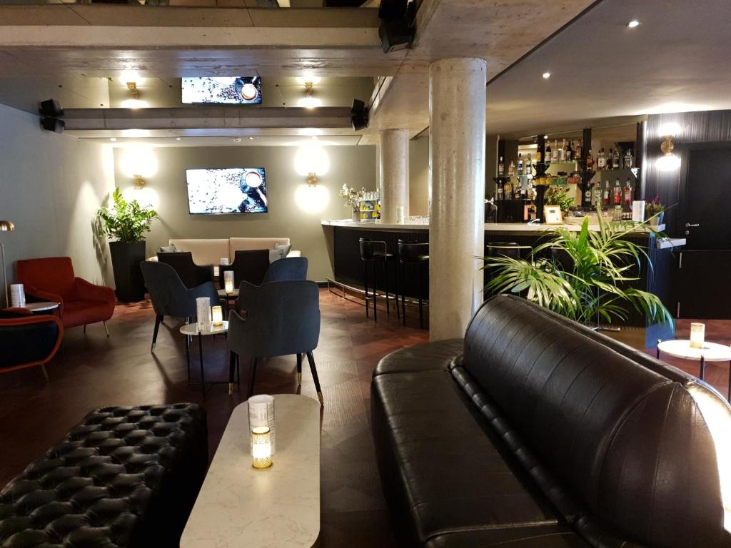 The lounge or bar area at Hotel Residenz Pforzheim