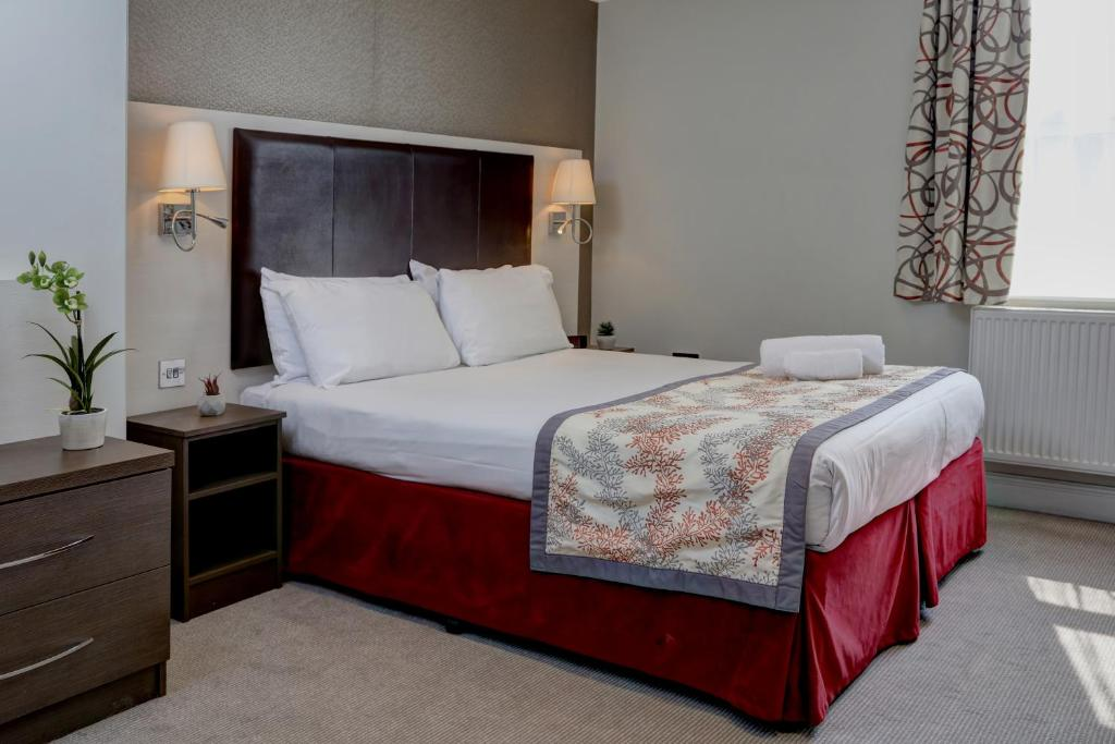 A room at the Best Western Chiswick Palace & Suites London.