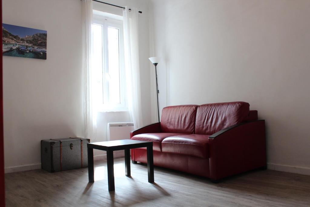 A seating area at L'Éphémère Canebière - Gambetta
