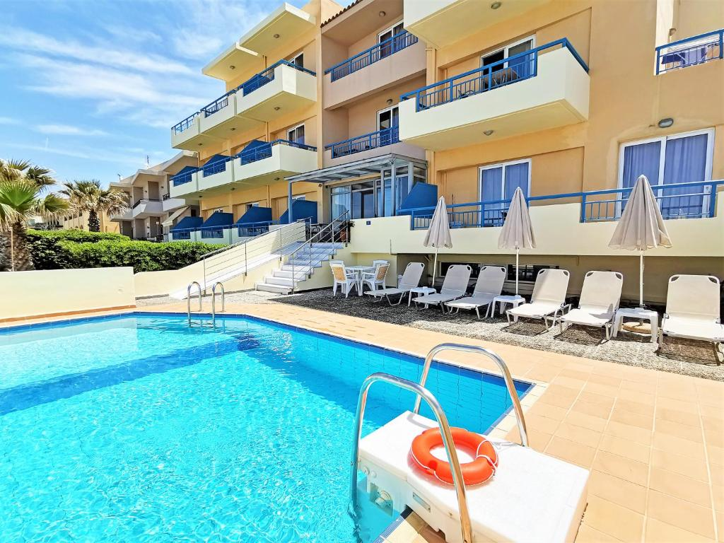 The swimming pool at or close to Marel Apartments