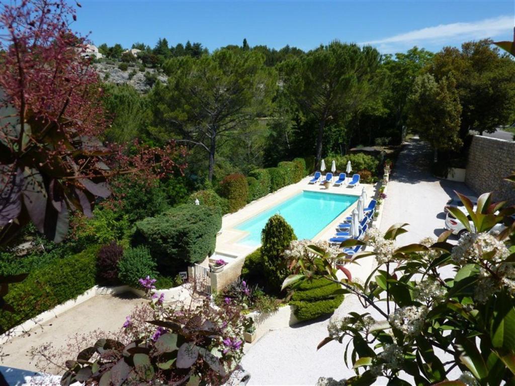 Vue sur la piscine de l'établissement Résidence Les Écureuils ou sur une piscine à proximité