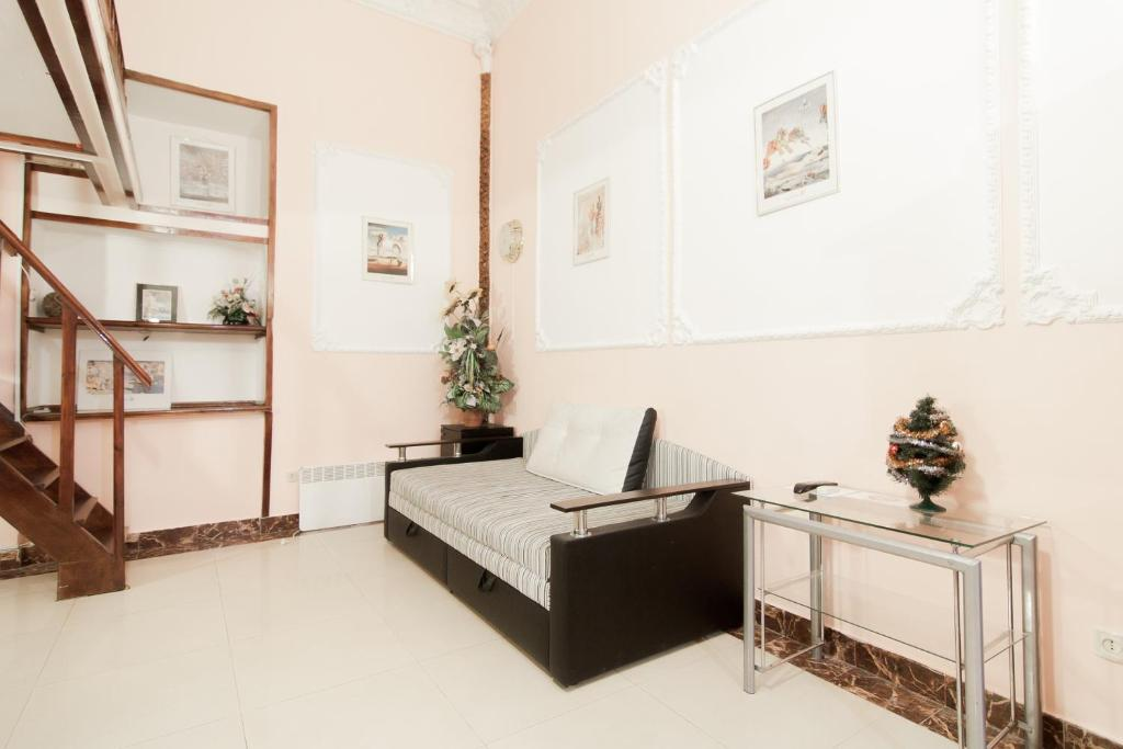 A kitchen or kitchenette at Rent Apartments Grecheskaya 50