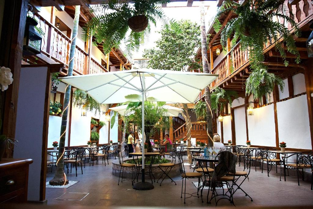 A restaurant or other place to eat at Hotel Emblemático San Agustin