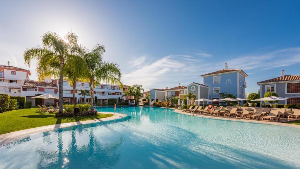 Het zwembad bij of vlak bij Cortijo Del Mar Resort