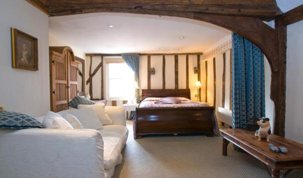 The Bell Inn Hotel - Laterooms