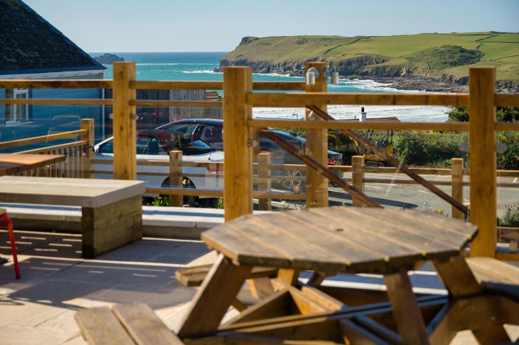 A balcony or terrace at Oystercatcher Apartments