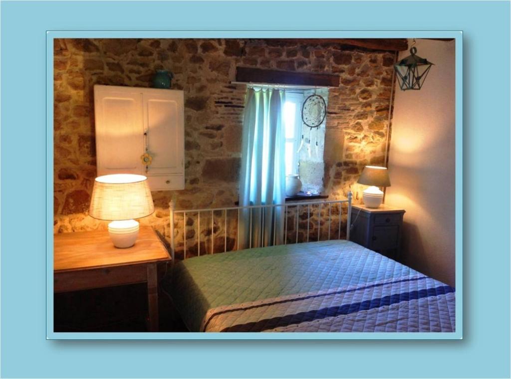 Domaine Charente - B&B / Familyroom Le Jardin (with external toilet & shower house)