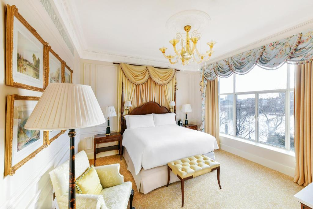 The Savoy - Laterooms
