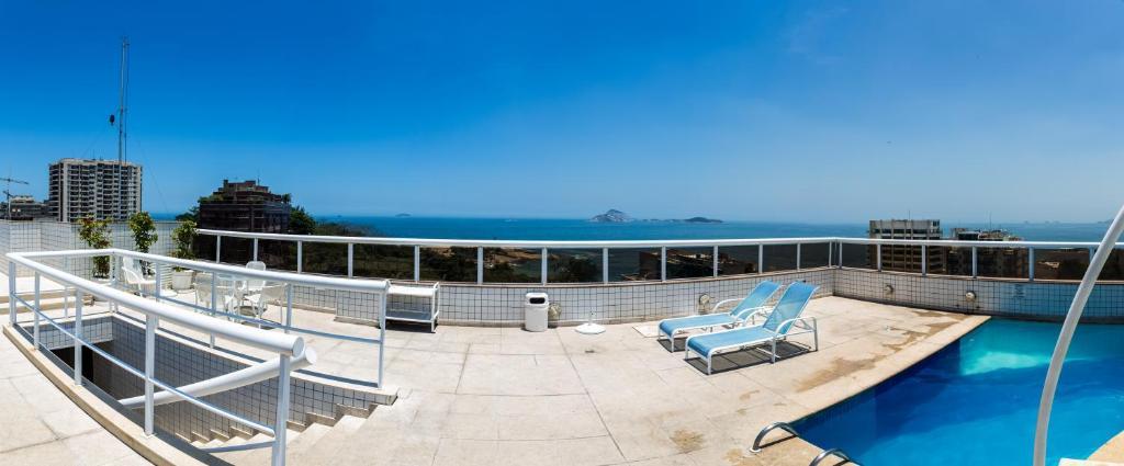 Vue sur la piscine de l'établissement Atlantis Copacabana Hotel ou sur une piscine à proximité
