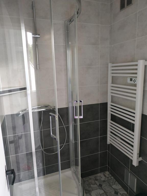 A bathroom at Les becs