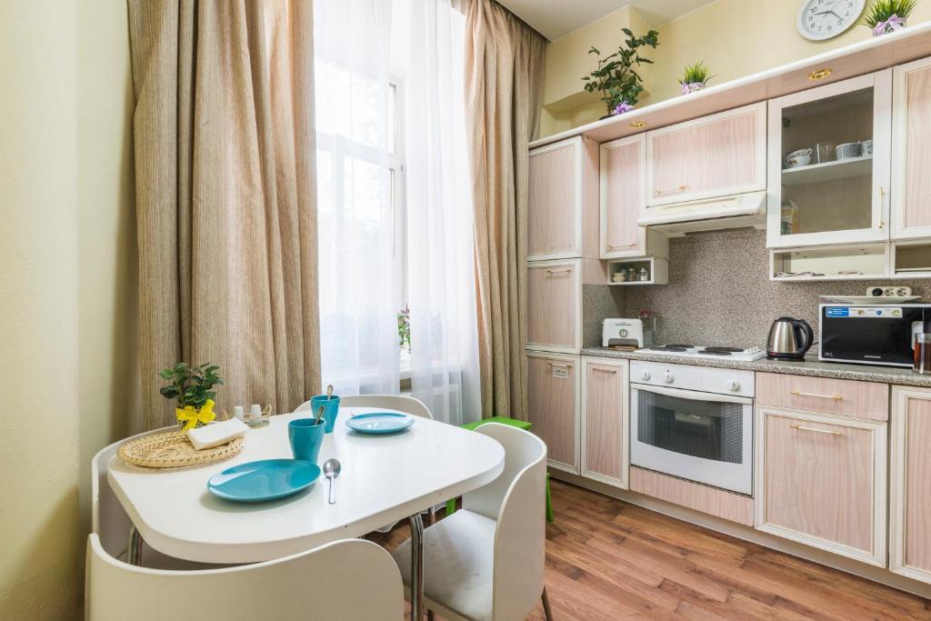 Кухня или мини-кухня в Nice Krasnye Vorota