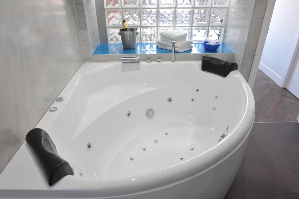 A bathroom at Gaudint Barcelona Suites