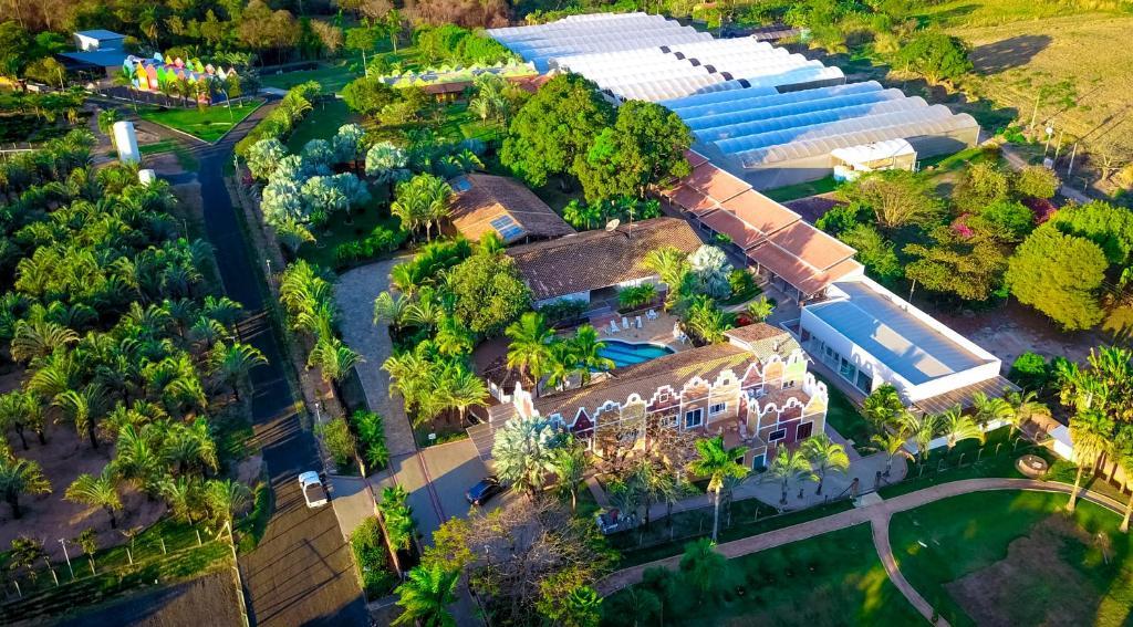 Uma vista aérea de Villa de Holanda Parque Hotel