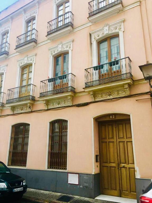 Calle Zaragoza 62, Sevilla