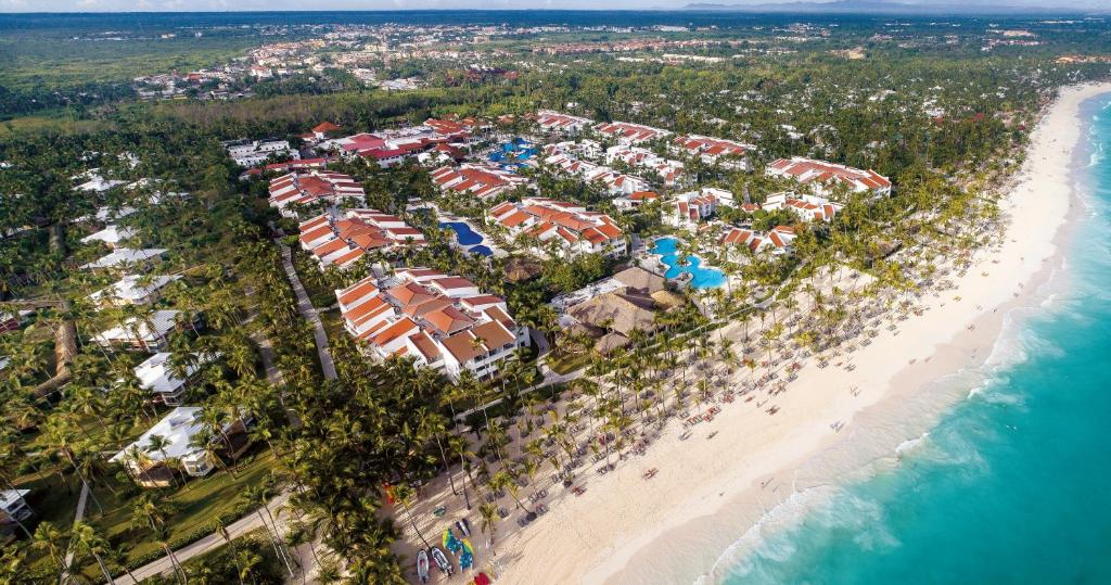"""Een luchtfoto van Occidental Punta Cana - All Inclusive Resort - Barcelo Hotel Group """"Newly Renovated"""""""