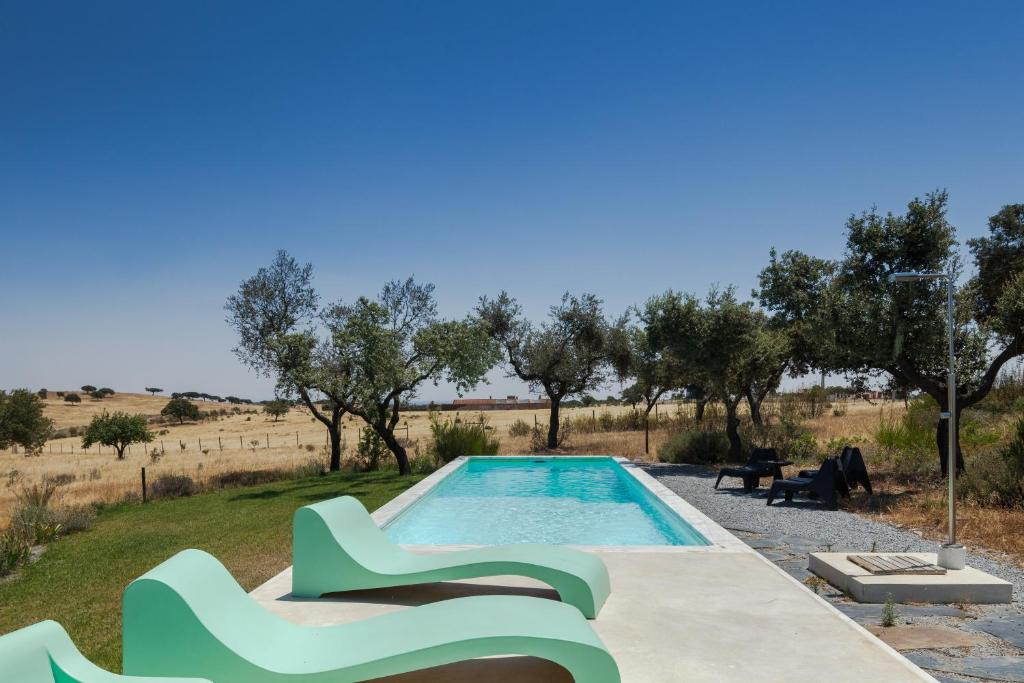 The swimming pool at or close to Estudio do OC